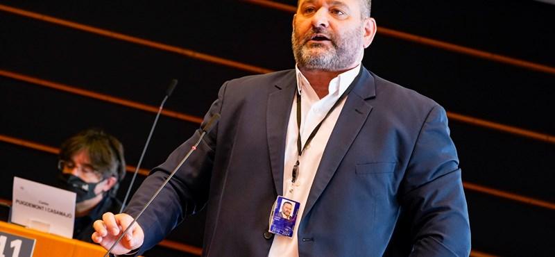 Letartóztattak egy görög újnáci EP-képviselőt