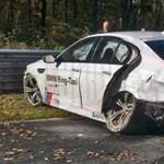 M5-ös BMW tört össze a Nordschleifén - fotó