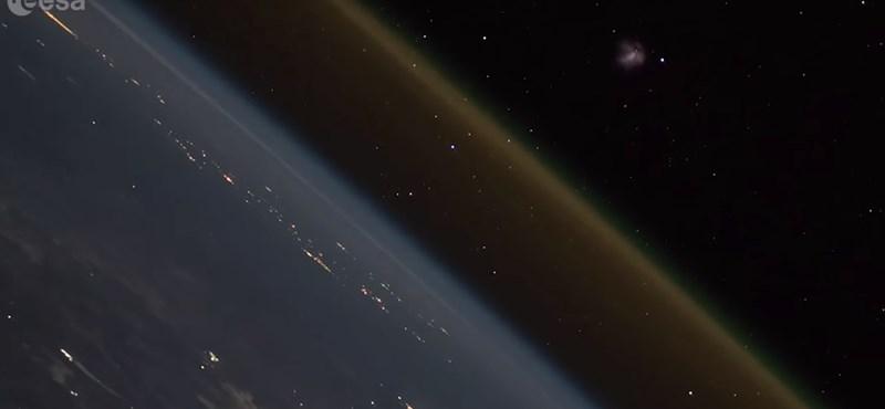 Lenyűgöző timelapse videó: így néz ki az űrből egy földi rakétakilövés