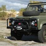 Szépen elszalad az ára egy ilyen 30 éves katonai Land Rovernek