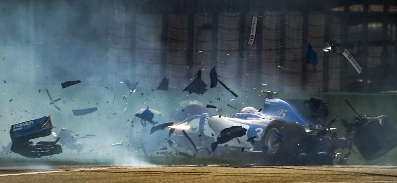 Fotók: A Sauber versenyzője a falnak ütközött