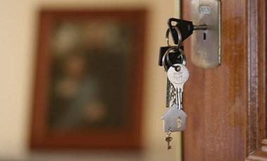 Friss elemzés: Budapesten 165, a megyeszékhelyeken 100 ezer forint egy albérlet havidíja