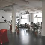 Milyen egy modern iroda? Neon és elkülönülés helyett napfény és mobilitás jellemzi