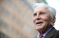 A 103 éves korában elhunyt Kirk Douglas szinte minden vagyonát jótékony célra ajánlotta fel