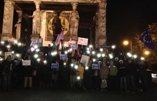 Több európai országban is a CEU-ért tüntetett a Momentum - fotók
