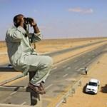 Szorul a hurok a Kadhafi-párti erők körül