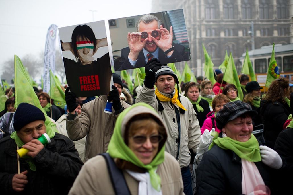 Szakszervezetek LIGA pedagógusok és köztisztviselők demonstrációja liga szombat