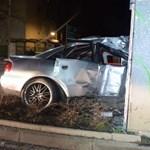 Súlyos baleset történt szombat este Győrben, itt vannak a rendőrség fotói