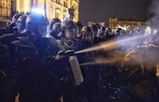 Újra könnygázt használtak a rendőrök a Kossuth téren - percről percre