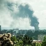 Eloltották a budapesti raktártüzet - fotók