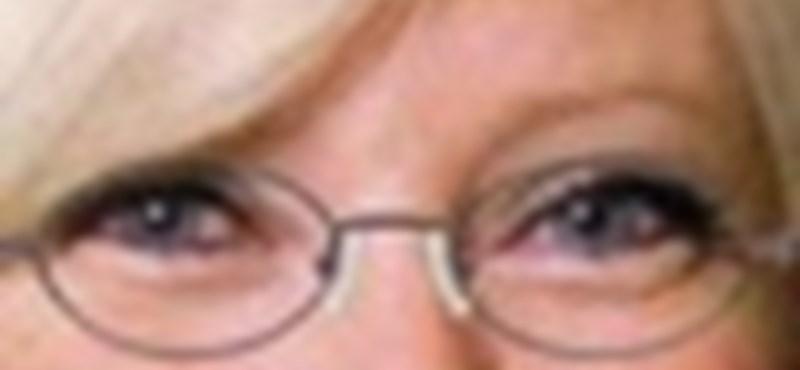 Nézze meg, milyen lenne szemüvegesen!