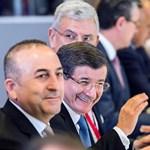 Gigantikus összeget és vízummentességet kaphat Törökország az EU-tól