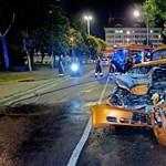 Rendőr mentett ki egy autóst az égő kocsiból