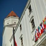 """A """"magyar példa"""" alapján tennének pórázt a szlovákiai civil szervezetekre?"""