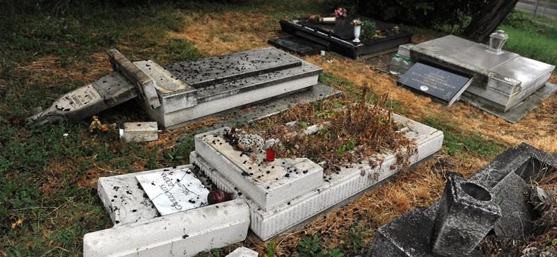Elítélte a miniszterelnök a budakalászi szerb temető meggyalázását