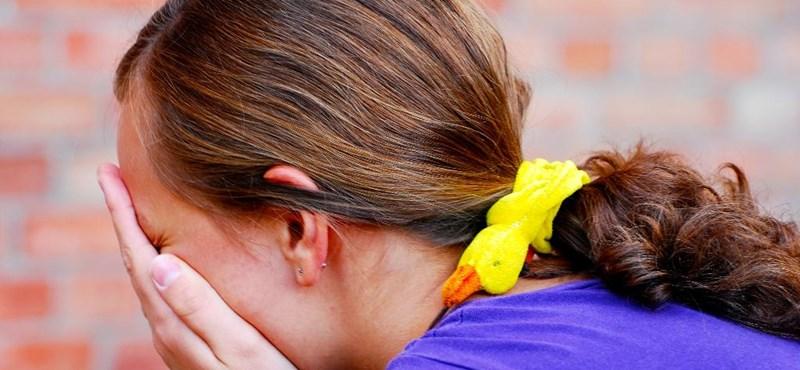 A szexuális erőszaktól és a magánytól félnek leginkább a magyar kamaszok