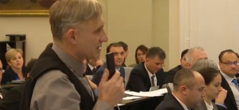 Csak a jobbikos képviselő szavazott a roma fiatal támogatása ellen