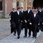 Szeptembertől kötelező lehet az iskolai egyenruha viselése Romániában