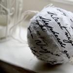 Kreatív ötlet a szegedi bölcsészkarról: ilyen karácsonyfát kevés egyetem kapott