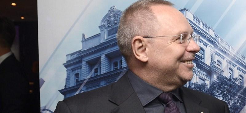 Milliárdokat csoportosított át a kegyvesztetté vált Spéder Zoltán