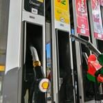 Most érdemes tankolni, nagyot zuhant az üzemanyagok ára