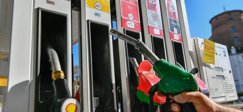 Töltőpisztoly helyett fegyvert fogott egy győri garázda a benzinkúton