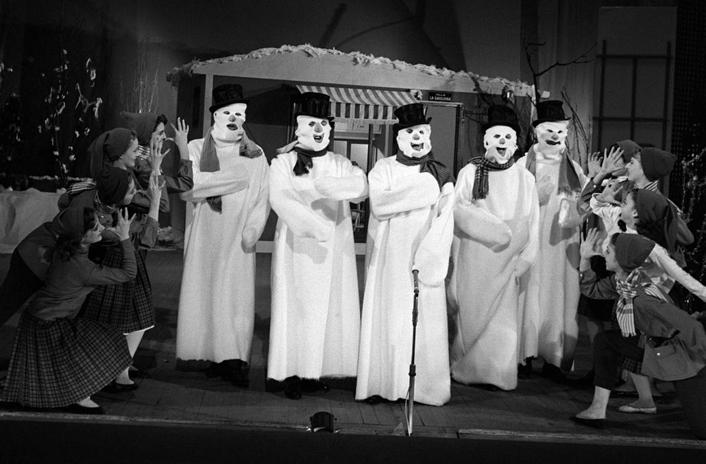 afp. hóember, öt atyáknak öltözött hóemberek, Karácsonyi Parádén
