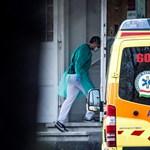 Sírva hívta a családját az idős férfi, hogy hazaküldik a kórházból