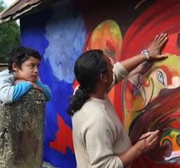 Freskókkal kitörni a lápos cigánysorról - Nagyítás