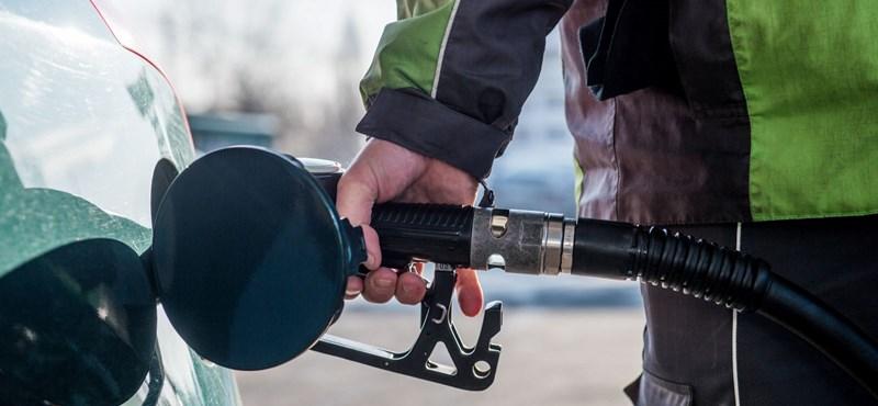 Tolatóradar: Mennyit autózhatnánk a leghosszabb repülőjárat üzemanyagából?