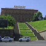 Örményország kincsének titka - az Ararat gyárában jártunk