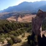 228-cal repült át a szárnyas ruhás férfi egy 3 méteres lyukon – videó
