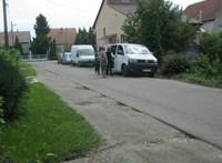 Buszoztatták a romákat Felsőzsolcán, feljelentést tett az MSZP