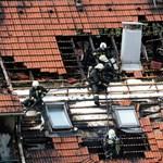 Ruhák gyulladtak meg egy miskolci erkélyen, kimenekítették a lakókat - fotók