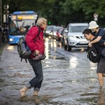 Sárgában a fél ország, ma is sok eső jöhet