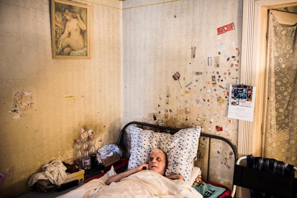NE HASZNÁLD!!! - Társadalomábrázolás, dokumentarista fotográfia (egyedi) - 2. díj: Stiller Ákos (HVG): Túlélő
