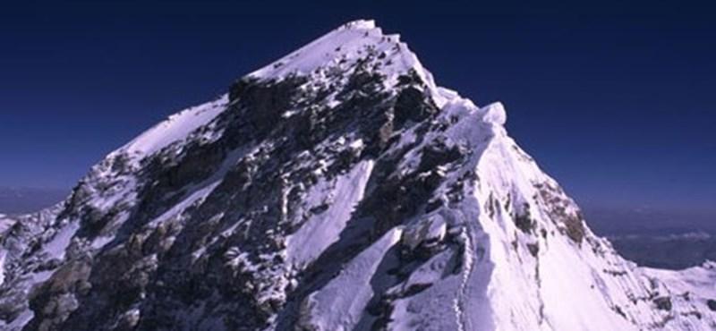 Egy nő is meghódította a Föld legmagasabb csúcsait