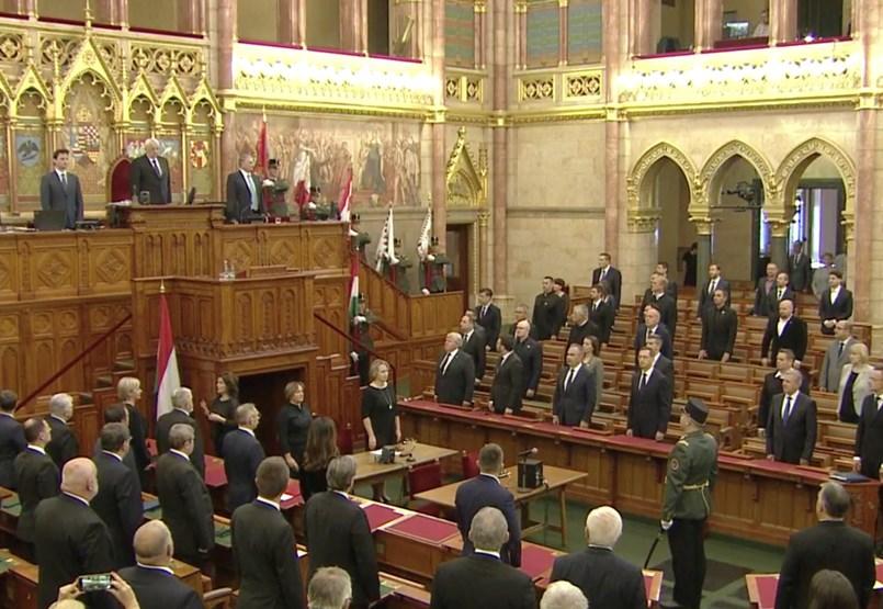 Trianon-emlékülést tart a Parlament - élő