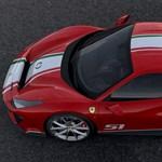A ritkánál is ritkább legújabb Ferrarival pózol a budapesti milliárdos