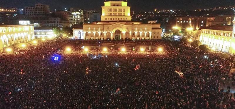 Az örmények is tudnak tüntetni - drónfelvétel