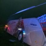 Büntetőeljárást indított a rendőrség a szombat este árokba hajtott busz ügyében