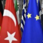 Az EP történetének legkeményebb hangvételű Törökország-jelentéséről szavaz