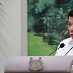Duterte megint a katolikus egyházat ekézte, majd bevallott egy szexuális zaklatást