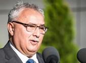 Az újraválasztott polgármester lenyomja a szemetet az izsákiak torkán