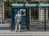 Olvassa el az országszerte a buszmegállókba kikerülő nyertes novellát!
