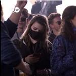 Társadalmi kísérlet Hollandiában: úgy buliztak, mintha nem lenne koronavírus – videó