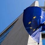 MNB: akadoznak az EU-pénzek, de így is csökken az adósságráta