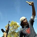 Tűzpárbaj és fejlövés: újabb részletek Kadhafi haláláról