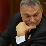 Amerikai és európai jobboldaliak nyílt levélben kérik Orbánt, hogy hagyjon fel a civilek vegzálásával