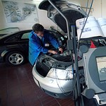 Nem lehet külföldre menni azokkal az autókkal, amelyeknek a veszélyhelyzet miatt halasztották a műszaki vizsgáját